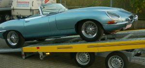 jaguar-mit-autotransporter