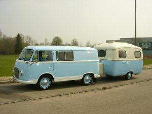 oldtimer-transit-wohnwagen