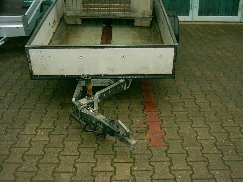 reparatur-kastenanhänger